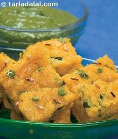 A quick and healthy version of the lip-smacking rajasthani snack by dressing up protein, and iron rich besan (gluten free) and methi leaves in enticing, tangy flavours. All the fibre makes this a good choice for diabetics too.