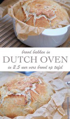 Dutch Oven brood recept: in 2,5 uur vers brood op tafel - AllinMam.com Dutch Recipes, Bread Recipes, Real Food Recipes, Thermomix Bread, Dutch Oven Bread, Panini Sandwiches, Good Vibe, Buffet, Bread Cake