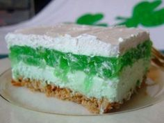 St Patrick's Layered Jello Cake Layer 2 cups pretzels, crushed cup butter, melted 3 tablespoons sugarRead more › Pretzel Desserts, Dessert Salads, Köstliche Desserts, Delicious Desserts, Dessert Recipes, Yummy Food, Jello Salads, Cake Recipes, Irish Recipes