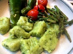 Bärlauch Gnocchi,Grüner Spargel,Pimientos,Tomaten,vegetarisch/vegan
