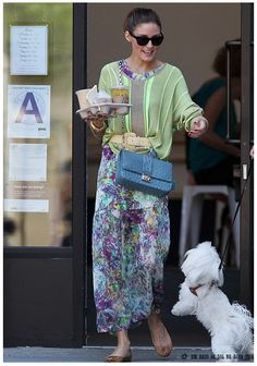 Olivia Palermo Daily  Nice way to wear a belt & slouchy jumper!