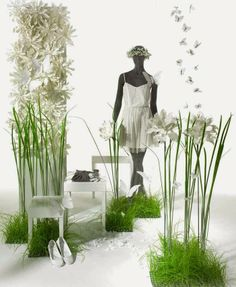 Clean green and white display. Ideas can be incorporated into a craft booth display. Spring Window Display, Window Display Design, Store Window Displays, Boutique Interior, Boutique Decor, Fashion Displays, Clothing Displays, Visual Display, Visual Merchandising Displays