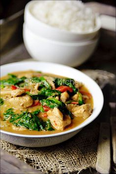 Chicken Palava (African Peanut Stew) via Kayotic Kitchen - http://www.kayotic.nl/blog/chicken-palava-african-peanut-stew