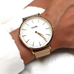 Next on the list La Bohème Mesh in gold #cluse #watch #minimal  www.womenswatchhouse.com