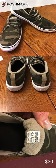 Under Armour mens slip on tennis shoes Sz 8 I LOVE these shoes! Camo print Under Armour slip on tennis shoes.  Barely worn before they were outgrown. A steal! Under Armour Shoes Athletic Shoes