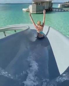 Who are you traveling here with? Explore this amazing destination and many more romantic escapes. Best Honeymoon Resorts, Maldives Honeymoon, Maldives Travel, Honeymoon Destinations, Amazing Destinations, Lindos Videos, Romantic Escapes, Island Resort, Hotels And Resorts