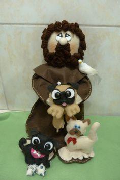São Francisco de Assis personalizado com bichinhos   mede 38cm de altura , acompanha oração de São Francisco , tercinho , passarinho e 3 bichinhos