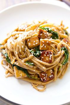 These Black Pepper Stir Fried Noodles are like whoa yummy! 30 minutes to prep with simple, vegetarian friendly ingredients. #vegetarian #vegan #healthy #recipe #cleaneating | pinchofyum.com