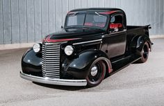 Check out a 1939 Chevy pickup that mixes themes with great results. See this classic truck that has a hot rod theme and classic pickup mixed in one sweet truck. Old Pickup Trucks, Hot Rod Trucks, New Trucks, Custom Trucks, Cool Trucks, Chevrolet Wallpaper, Old Chevy Pickups, Chevy C10, Chevy Motors