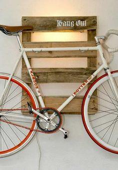 14 Ways of Reusing Old Wooden Pallets As Bike Racks