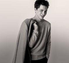 Logan Lerman - Yes Pretty Men, Beautiful Men, Percy Jackson Cast, Cute Celebrities, Celebs, Best Young Actors, Luke Benward, Aaron Taylor, Photoshoot Images