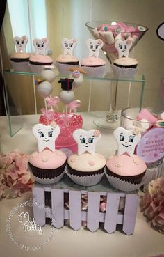Cake & Co, Cake Art, Tooth Cake, Baby Girl Pictures, 60th Birthday Party, First Tooth, Baby Album, Tooth Fairy, Amazing Cakes