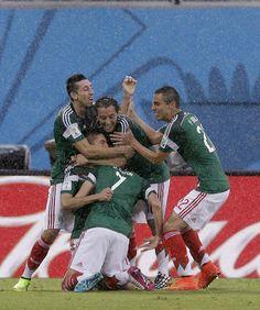 Fim de jogo! México vence Camarões por 1 a 0, gol de Peralta. pic.twitter.com/Z41cLH4Wip
