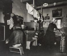 Martin Martinček: U tetky Miždalovej v Liptovskej - 1975 Old Images, Old Photos, Heart Of Europe, Vintage Pictures, Folk Art, Character Design, In This Moment, History, Inspiring Photography