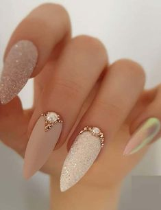 Nail Art Ideas Paint your nails white for the base. Once it dries, use the nail stripes to create the Purple stripes Picture Credit : Nail Art Ideas Paint your nails white for the base. Once it dries, use the nail stripes to create the P Bling Nails, Glitter Nails, Stiletto Nails, Rhinestone Nails, Rhinestone Nail Designs, Jewel Nails, Sand Nails, Gold Acrylic Nails, Nail Art Rhinestones