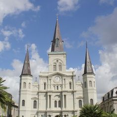 Spending some time in New Orleans! Might as well start in the French Quarter at the St. Louis Cathedral! @VisitNewOrleans #UncontainedLife #NOLA #StLouisCathedral http://ift.tt/1xkKQTL