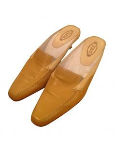 Slippers TOD'S Beige Camel, Slippers, Dressing, Loafers, Beige, Flats, Shoes, Fashion, La Mode
