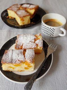 Túrós barackos süti - Anya főztje Waffles, French Toast, Breakfast, Food, Morning Coffee, Essen, Waffle, Meals, Yemek