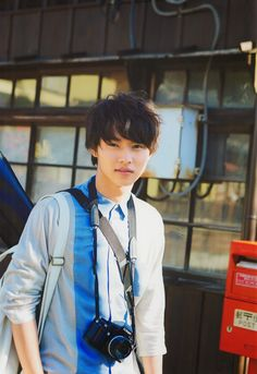 Kento Yamazaki, loves fashion, camera and guitar! Japanese Boy, Japanese Drama, Asian Boys, Asian Men, L Dk, Kento Yamazaki, Crush Pics, Poses, Cute Gay
