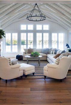 Inspiring coastal living room decor ideas (52)