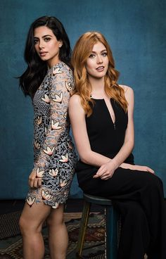 Shadowhunters - Clary continues to struggle with the new Shadowhunter order as Jace is being held in The City of Bones with. Shadowhunters Actors, Shadowhunters The Mortal Instruments, Clary Und Jace, Clary Fray, Katherine Mcnamara, Malec, Alycia Jasmin Debnam Carey, Isabelle Lightwood, Shadow Hunters