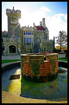 Casa Loma in Toronto, Ontario, Canada. Beautiful Places To Visit, Beautiful World, Places To Travel, Places To Go, Toronto Canada, Canada Ontario, Canada Eh, Destinations, Downtown Toronto
