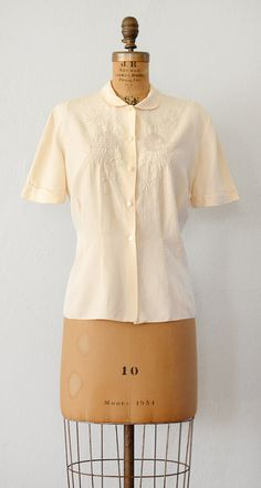 VINTAGE 1940S EMBROIDERED PETER PAN COLLAR SILK BLOUSE // Simple Pleasure Blouse by Adored Vintage #vintage #1940s