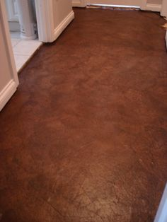 Diy stained brown paper floor awesomeness under 30 do it diy floors using brown paper glue stain and floor grade polyurethane tutorial amazingly solutioingenieria Images