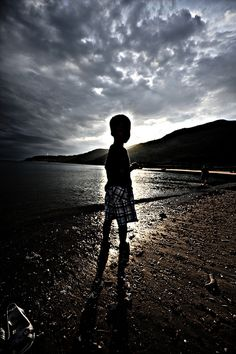 silhouette [EXPLORED] by Tee Bui, via Flickr