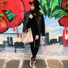 Ready for the sunday brunch @californiabakery in Milan Black outfit I was wearing:  H&M hat Mango Jacket  Caleidos bag H&M ripped black jeans Zara leopard slip on   Instagram: @myway_ Fb: My Way di Francesca Cinà
