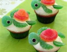 Turtle Cupcakes Party Favourite Are you looking for an adorable cupcake recipe? If so, you should make this cute turtle cupcakes!Are you looking for an adorable cupcake recipe? If so, you should make this cute turtle cupcakes! Cupcakes Bonitos, Cupcakes Decorados, Cute Food, Good Food, Yummy Food, Yummy Yummy, Delish, Disney Cupcakes, Cupcake Cakes
