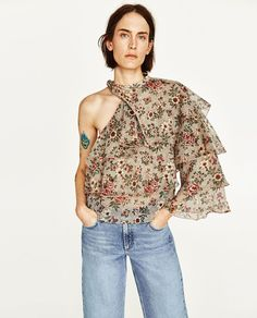 You Can Pretend It's Spring With Zara's New Arrivals #refinery29 http://www.refinery29.com/2017/02/139153/zara-spring-summer-2017-lookbook-photos#slide-7
