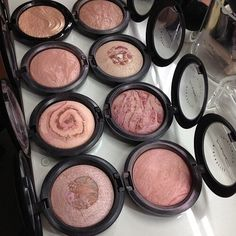 51 Pretty Makeup Products That You Should Try Now - Hair and Beauty eye makeup Ideas To Try - Nail Art Design Ideas Pretty Makeup, Love Makeup, Makeup Inspo, Makeup Inspiration, Amazing Makeup, Makeup Set, Makeup Style, Makeup Goals, Makeup Tips