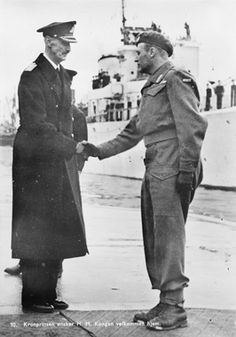 June 7th 1945, Oslo. Crown prince Olav wishing king Haakon VII welcome home from exile. Olav had returned to Norway already on May 13th.