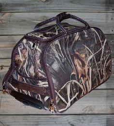 Camo travel bag.  #CountryGirl #Camo #Travel #Luggage