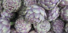 """Sie wird die """"Königin des Gemüses"""" genannt und hat diesen Namen verdient! Die Artischocke ist nicht nur ein edles Gemüse das einzigartig schmeckt, sondern ist auch sehr wichtig für unsere Gesundheit. Lesen Sie hier was die Artischocke in der Phytotherapie verspricht."""