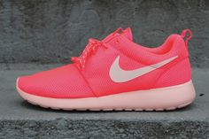 Nike WMNS Roshe Run - Hot Punch-Storm Pink
