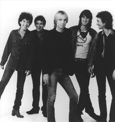 I'm listening to Tom Petty & The Heartbreakers, ♫ on iHeartRadio  www.Keto-Niki.com