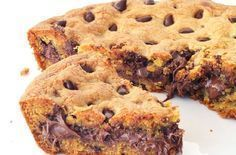 Nutella Stuffed Skillet Cookie made from scratch! A BIG buttery deep dish chocolate chip cookie made in a skillet with . Buttery Chocolate Chip Cookies, Nutella Cookies, Chocolate Chip Cookie Dough, Greek Sweets, Greek Desserts, Oreo, Skillet Cookie, Desert Recipes, Sweet Recipes