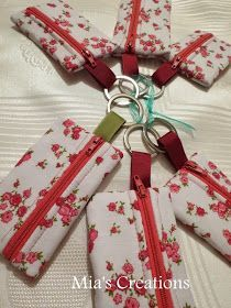 Mia's Creations: Wallets, Tissue Holders, Key Fobs, Patchwork Pouches, Oh My Sewing Tutorials, Sewing Hacks, Sewing Patterns, Sewing Class, Love Sewing, Pouch Pattern, Small Sewing Projects, Fabric Gifts, Key Fobs