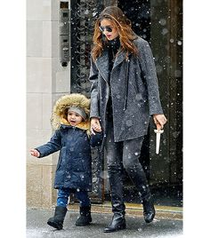 @Alexandra M What Wear - Miranda Kerr                 The stylish mom stepped out in New York last month with her son Flynn in Oliver Peoples sunglasses, Rag & Bone's Turner Leather-Trim Coat ($488), and knee-high Chanel boots. Take a beauty cue from Kerr and try a bold lip if the rest of your look is neutral.