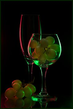 Love Surreal — By Lev – Verre et de vitrailes Glass Photography, Still Life Photography, Amazing Photography, Still Life Photos, Still Life Art, Art Du Vin, Wine Glass, Glass Art, Dragonfly Art