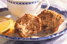 Post Raisin Bran Flake Muffin Start your day right with this low-fat muffin. The cereal base provides a good source of iron. Low Fat Muffins, Healthy Muffins, Healthy Cereal, Healthy Sweets, Bran Flakes Recipe, Raisin Bran Muffins, Flake Recipes, All Bran, Muffin Bread