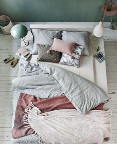 Bedding~gravity-gravity:Pastel coloured bedroom via VT Wonen