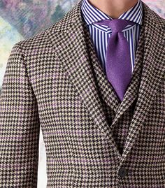 A very weird combination of mixed prints, fabrics and colors... that I like.