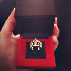 princess' crown ring! Must have!! For me!!
