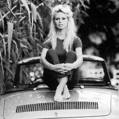 Brigitte sitting on her Renault Floride c.1958 ♡ . {#brigittebardot}, {#bardot}, {#bb}, {#icon}, {#screenlegend}, {#classiccinema}, {#1950s}, {#50s} {#1960s}, {#retrofashion}, {#french}, {#retro}, {#fashion}, {#classicactress}, {#vintage}, {#beauty}, {#beautiful}, {#actress}, {#oldmovies}, {#glamour}, {#love}, {#oldhollywood}, {#girl}, {#silverscreen}, {#oldcinema}, {#wcw}