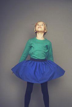 "LEOCA Paris : Jupe Volante "" Royal Blue "" with Pull-over "" Fluo Emerald """