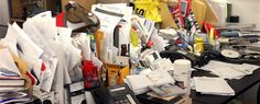 Working at a messy desk may actually help you think more creatively, according to a new scientific study. Feng Shui, Focus At Work, Messy Desk, Office Paper, Improve Yourself, Make It Yourself, Work Motivation, Tidy Up, Working Area