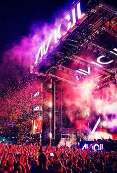 Go to an Avicii concert. Edm Music, Dance Music, Raves, House Music, Music Is Life, Live Music, Pub Radio, Ibiza, City Photography
